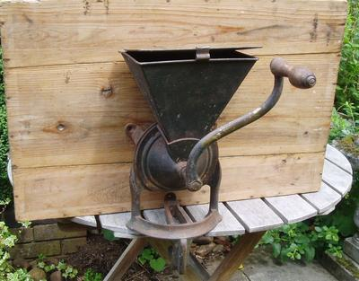 Size 4 American Cast Iron Old Coffee Mill